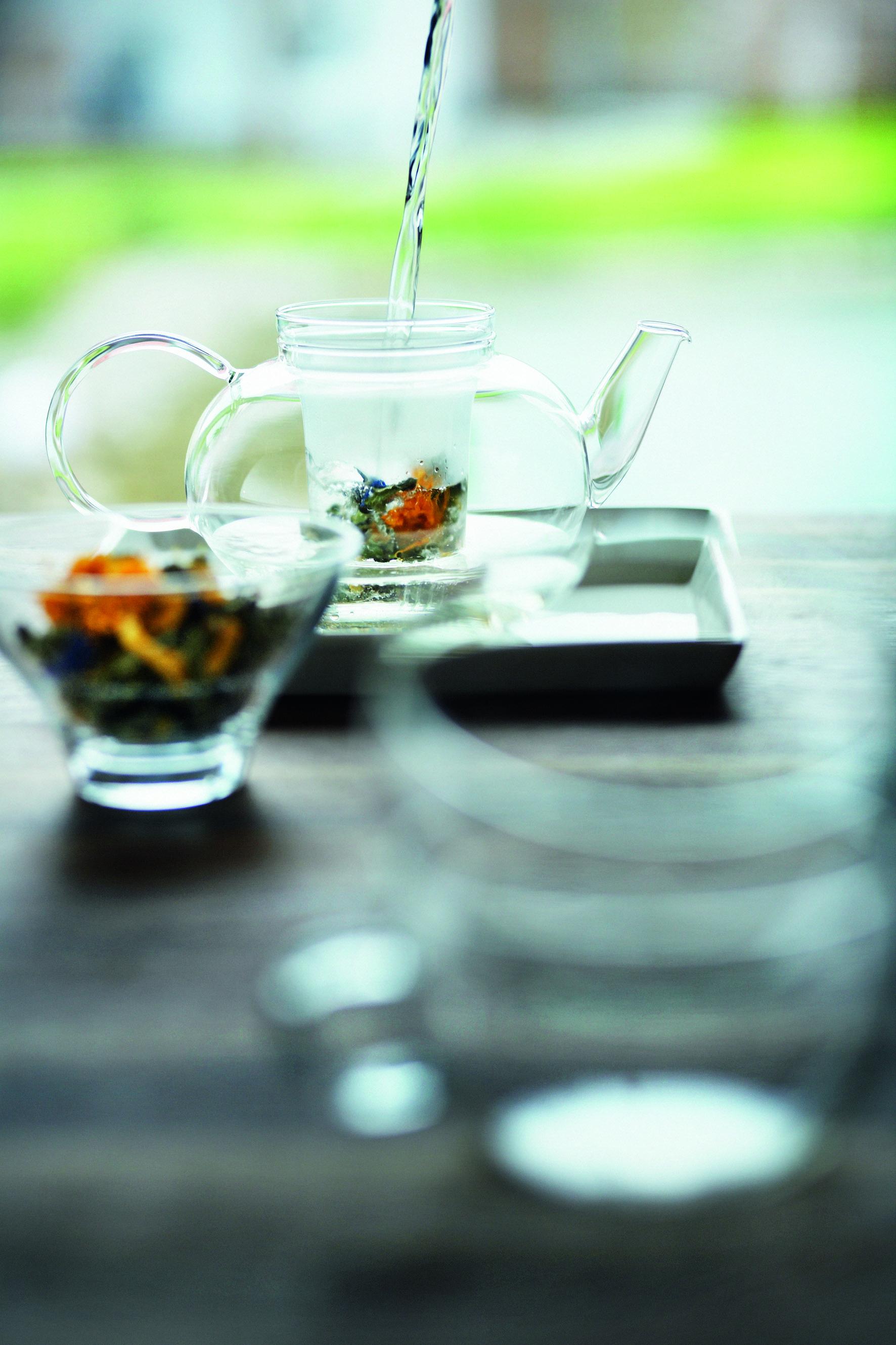 健康的に透明感を呼びこむ 白茶でキレイ寿命を伸ばす
